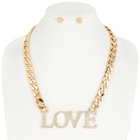 METAL CHAIN NECKLACE W/ LOVE PENDANT